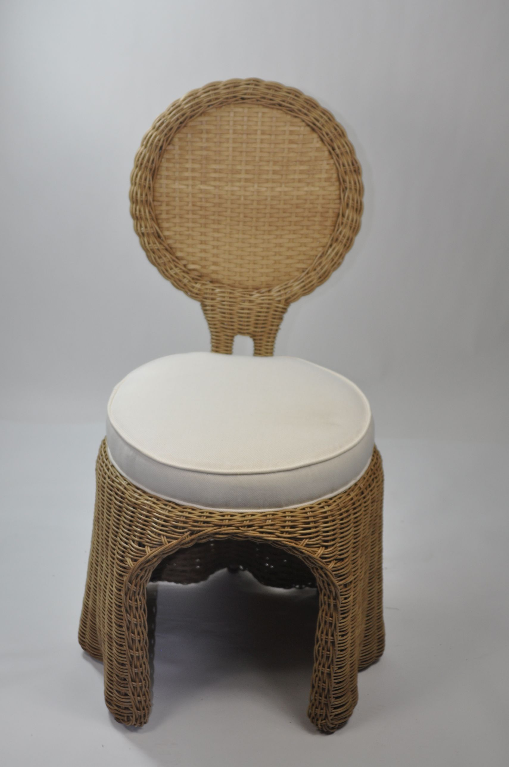 Outdoor Circle Back Wicker Dining Chair