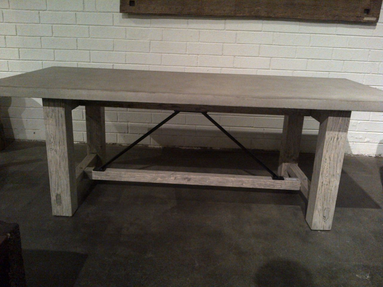 Delicieux Concrete And Reclaimed Wood Rustic Farm Table