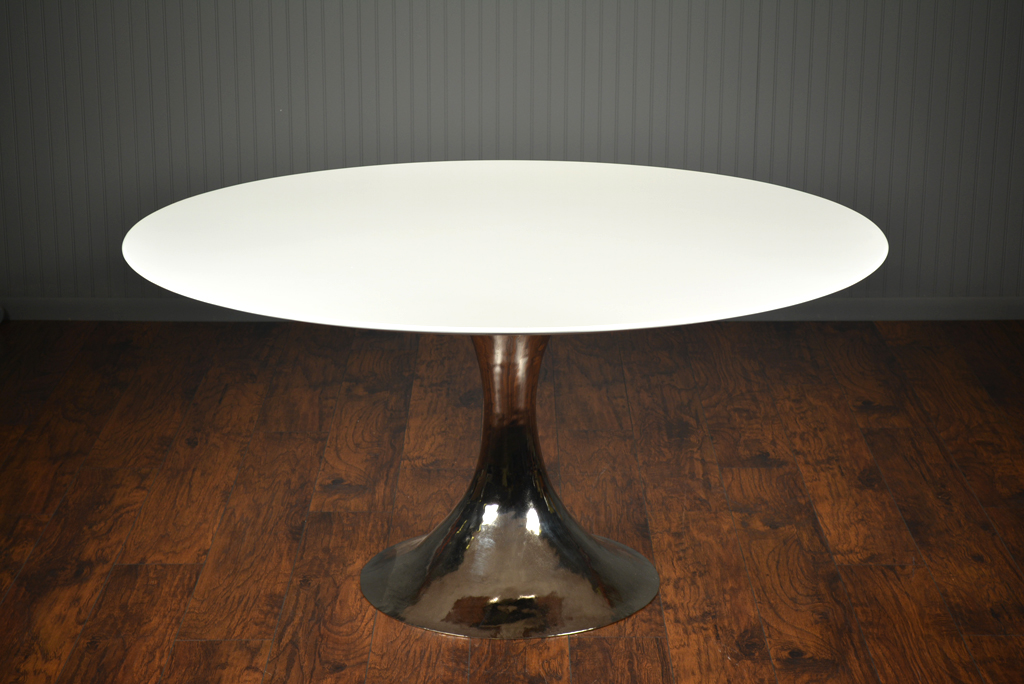 Dakota Dining Table With Round White Lacquer Top