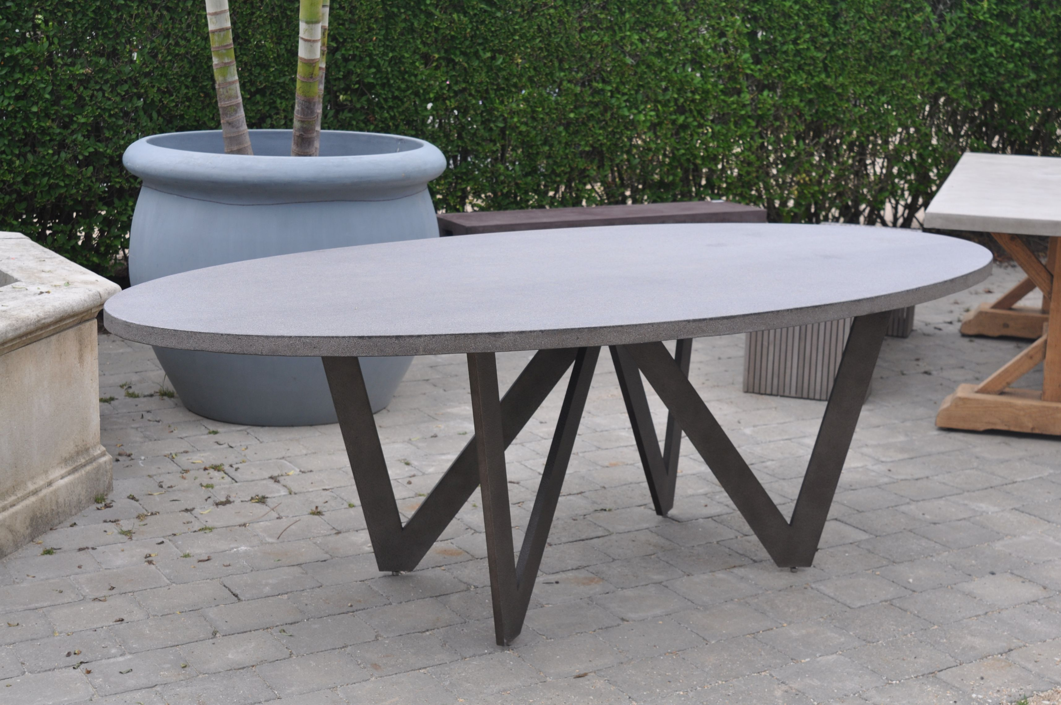 vincentoval mikaza dining oval product modern modernes montreal vincent table meubles