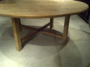 Rustic Round Pine Dining Table Mecox Gardens - Rustic round breakfast table