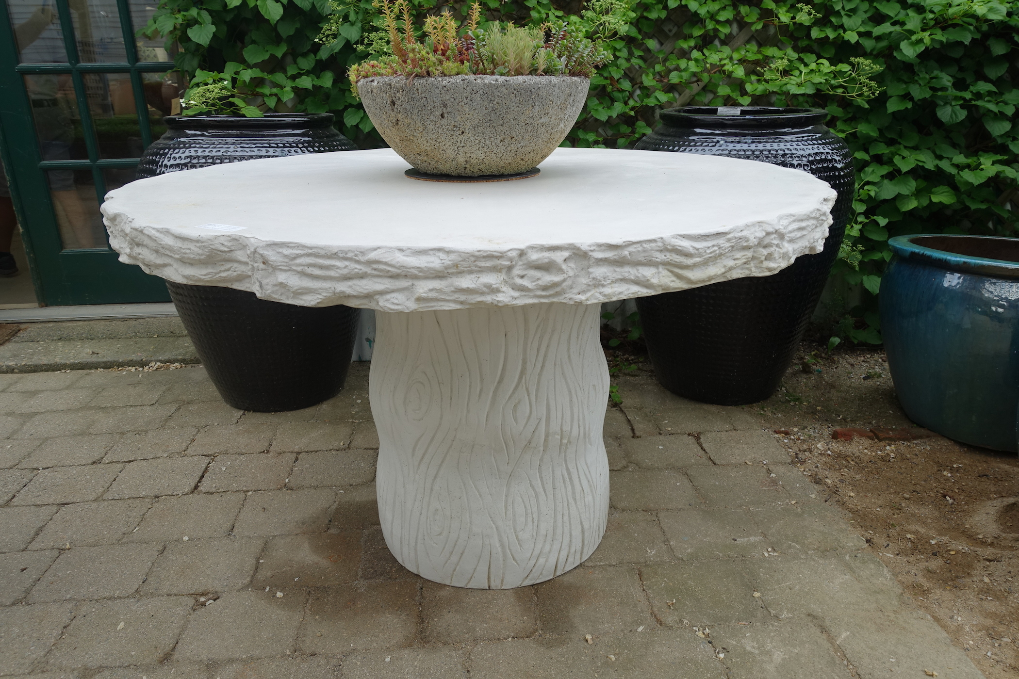 Charmant Faux Bois Concrete Round Dining Table