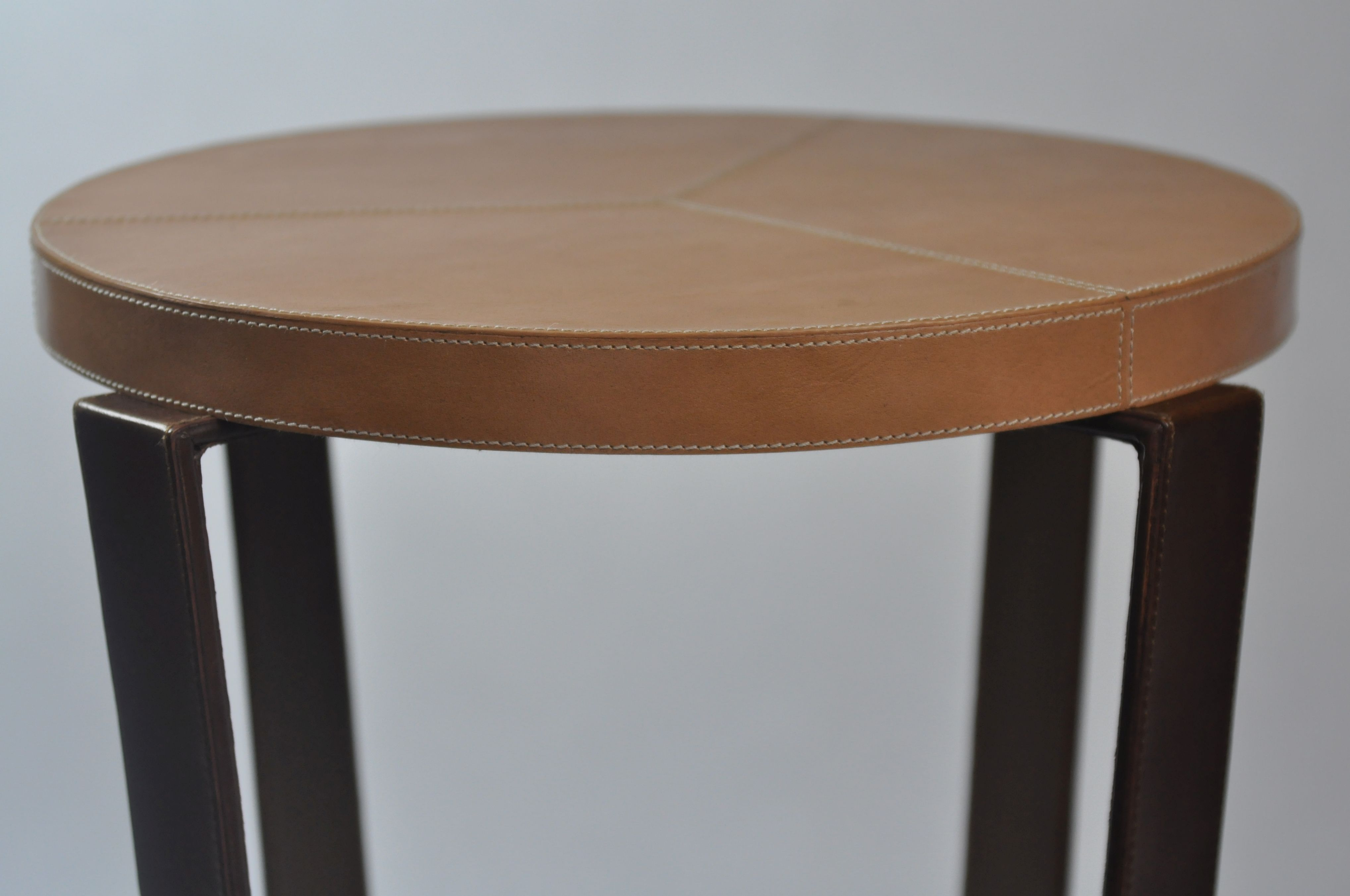Nice Kyle Round Leather Side Table