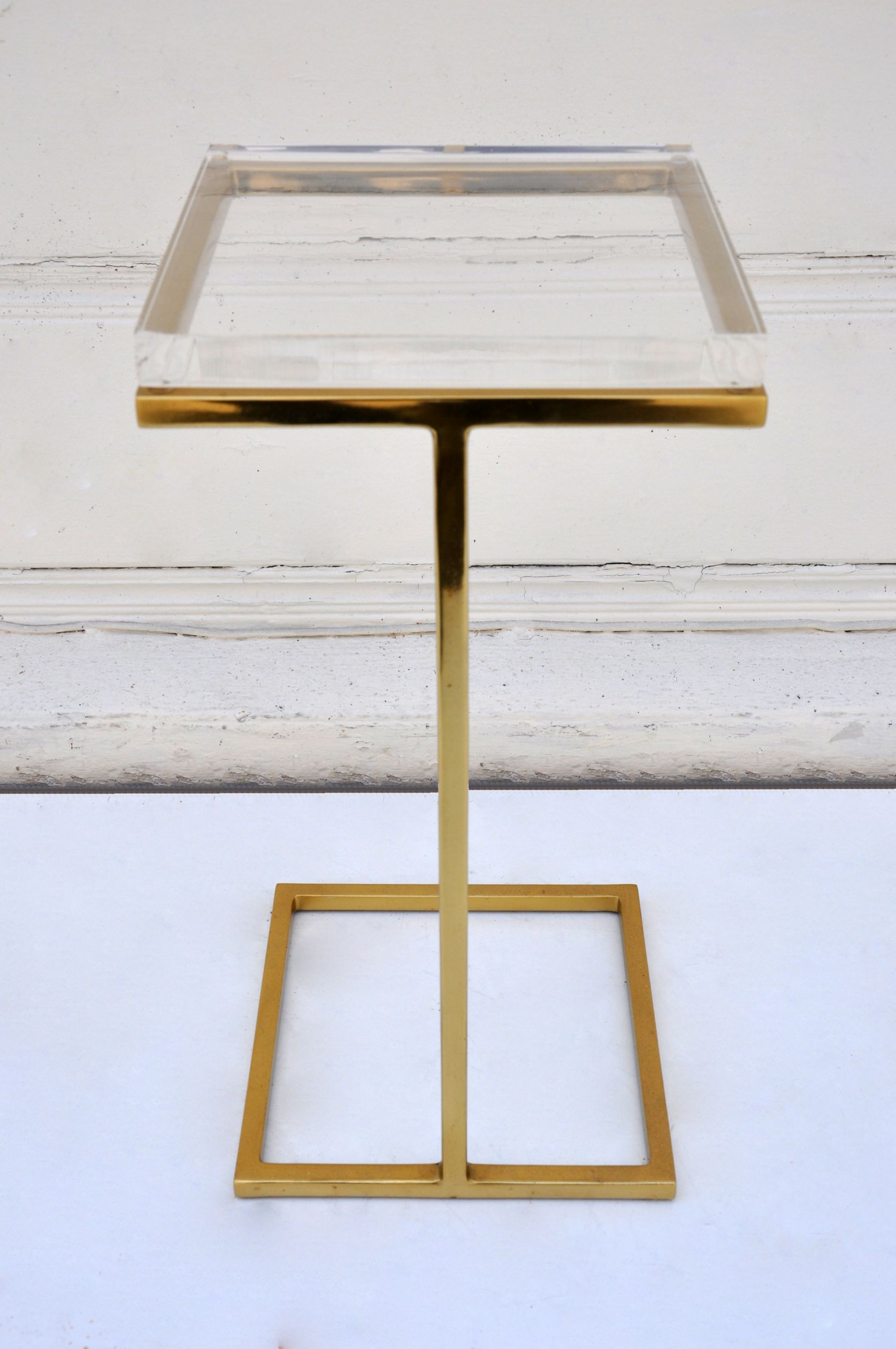 Gentil Acrylic Martini Side Table